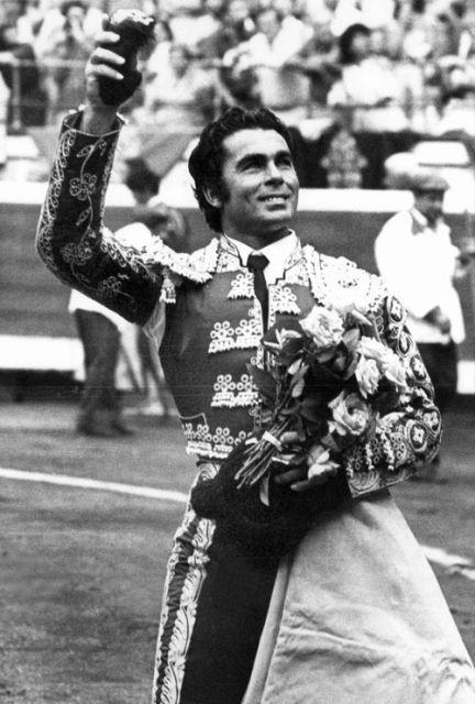 Francisco Rivera Pérez Llamado Paquirri Toros Y Toreros Traje De Torero Cultura Española