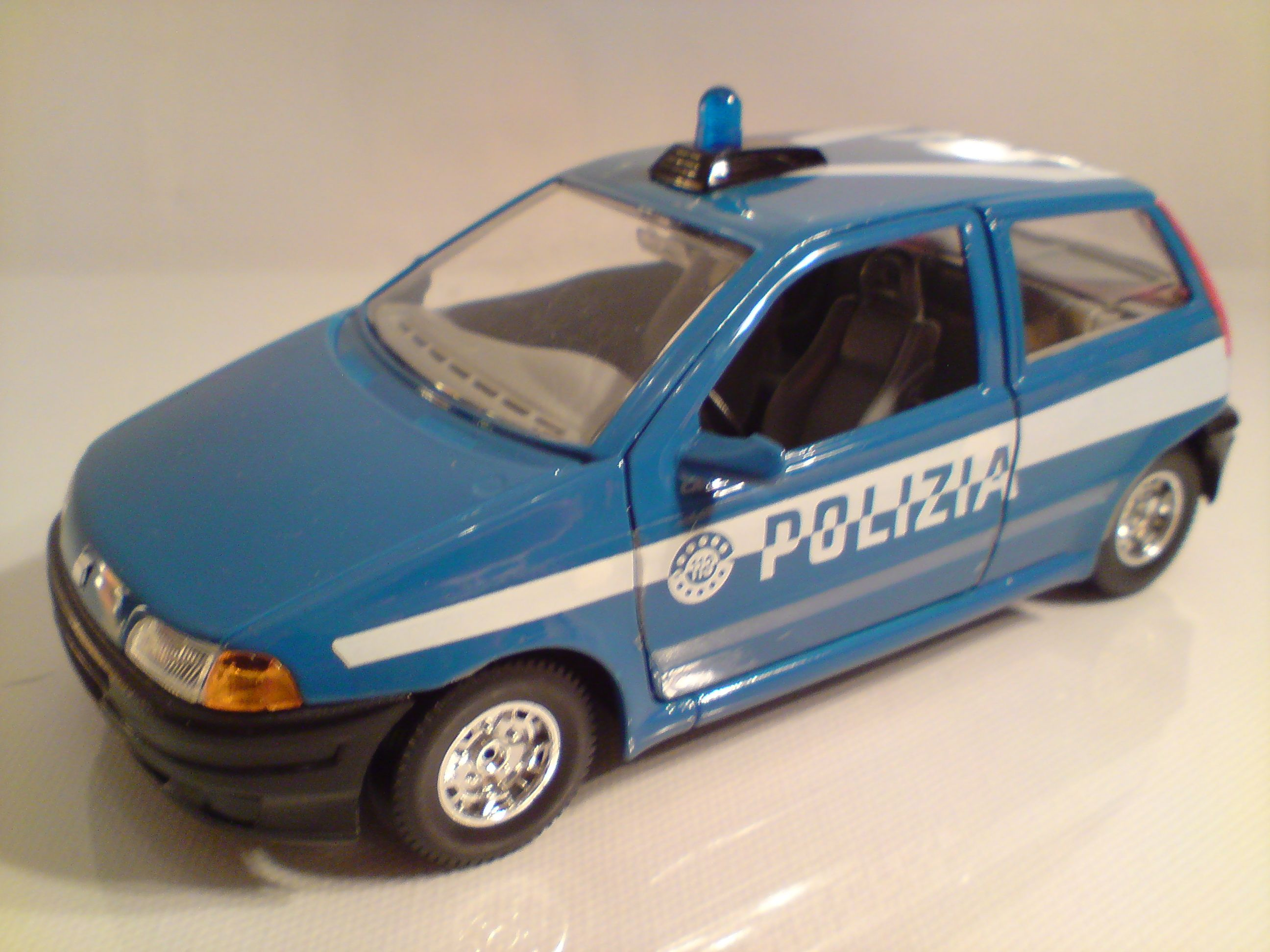 "1/24 FIAT Punto ""Polizei"" - Burago"