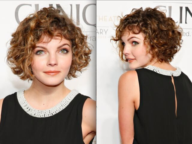 21 Trendy Hairstyles To Slim Your Round Face Popular Haircuts Curly Hair Photos Short Curly Haircuts Curly Hair Styles