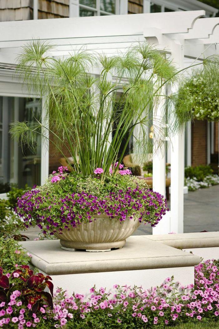1001 ideas de decoraci n de jard n con maceteros grandes for Decoracion exterior jardin contemporaneo