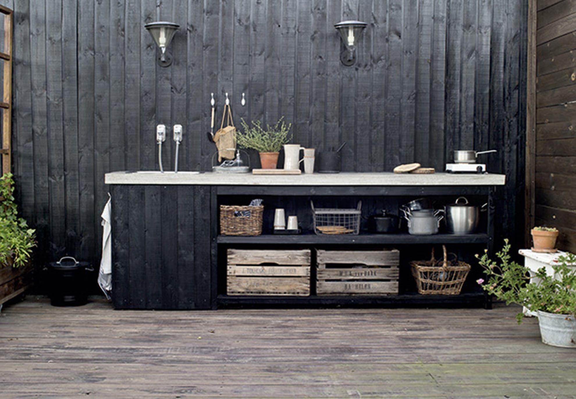Kolonihavehuset, Der Ligner En Gammel Togvogn. Vegetables GardenModern  Outdoor KitchenPatio ...