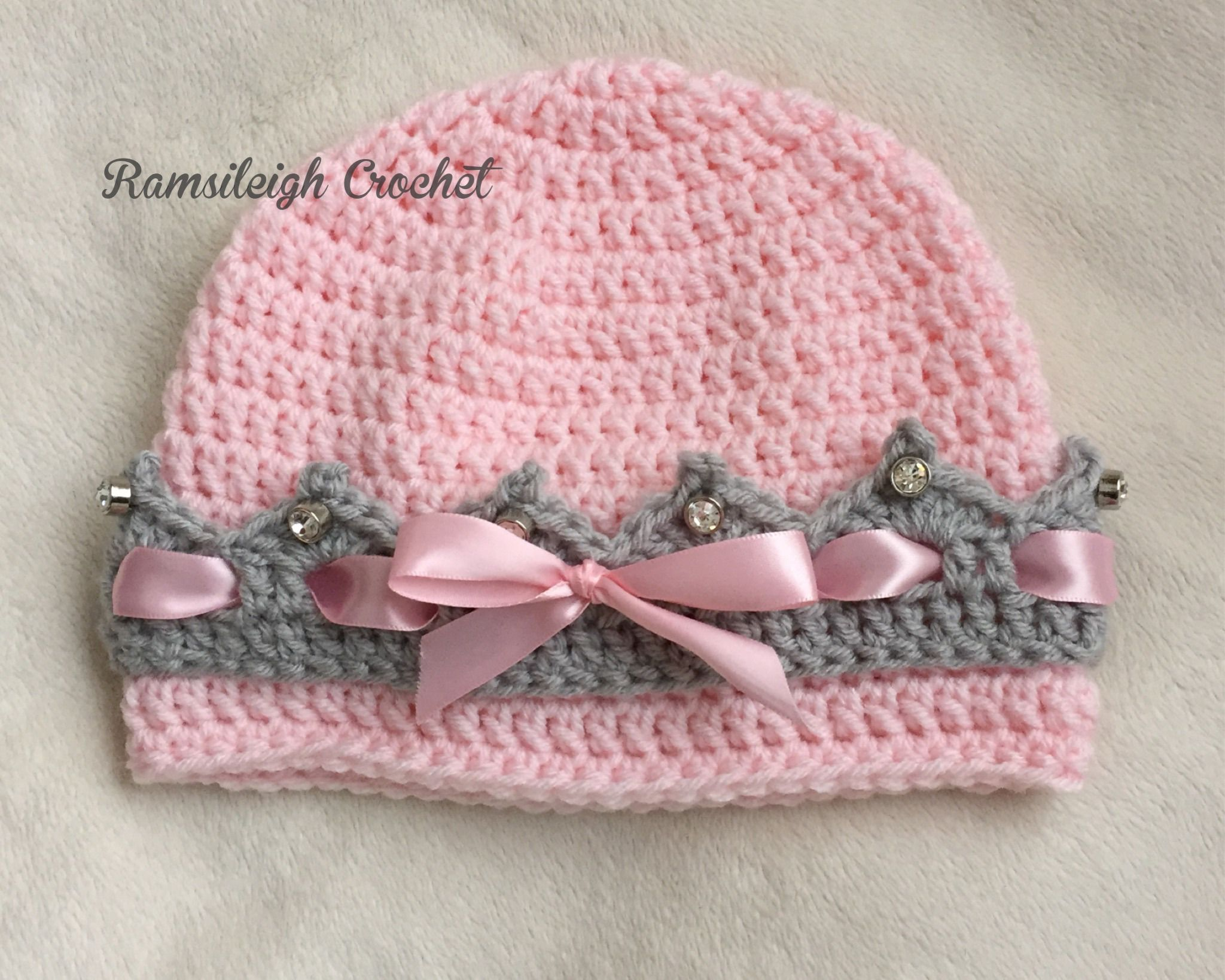 Girly Crown Hat {FREE PATTERN} | ganchillo. especial | Pinterest ...