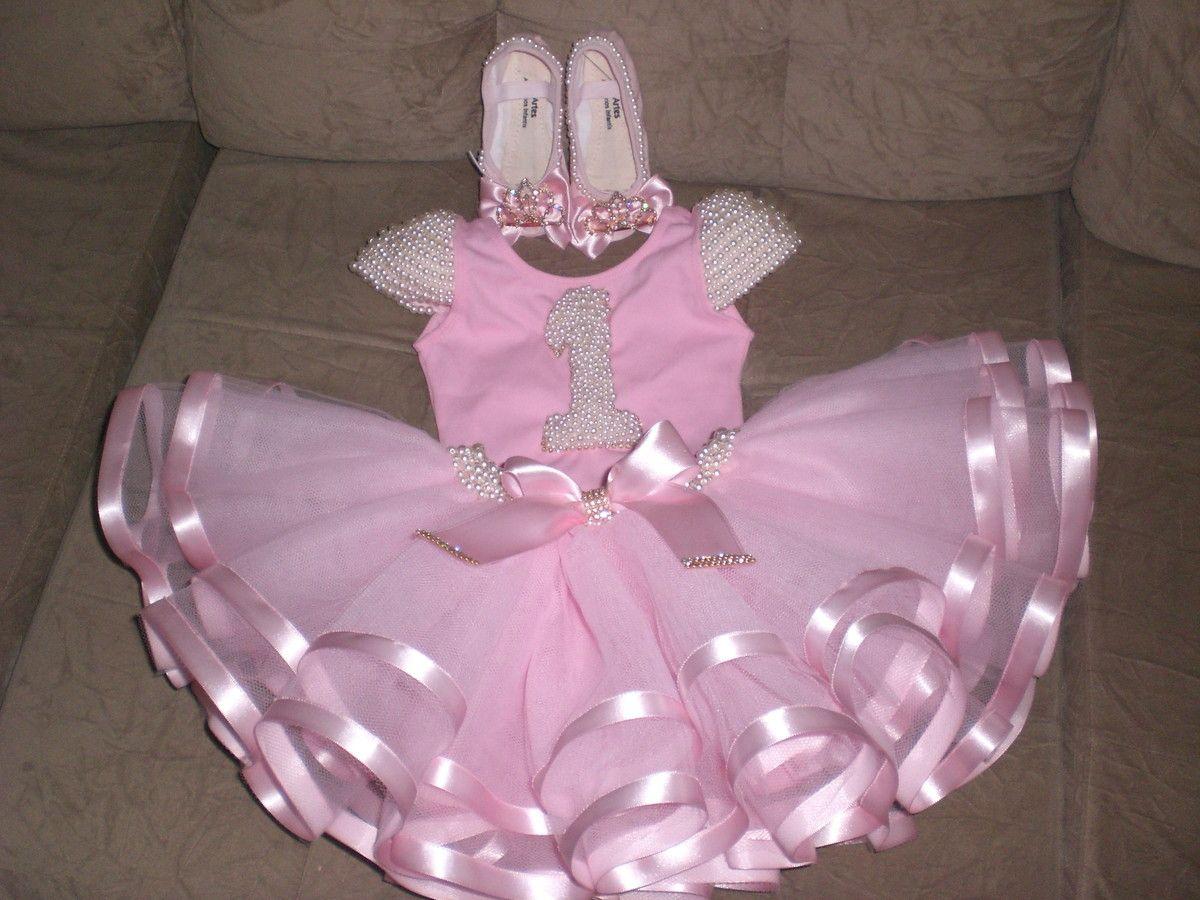 624ccb74b8 Roupa de bailarina bordada a mão e muito luxo.