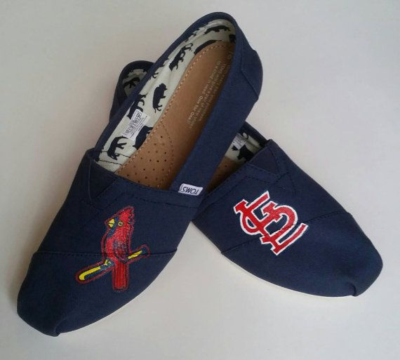 Check out this item in my Etsy shop https://www.etsy.com/listing/231589992/st-louis-cardinals-hand-painted-toms