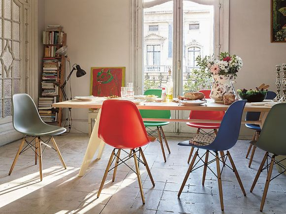 eames plastic side chair dsw mit gestell in eichenoptik eames plastic chair pinterest. Black Bedroom Furniture Sets. Home Design Ideas