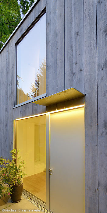 zwischen b umen m nchen cube magazin front door. Black Bedroom Furniture Sets. Home Design Ideas