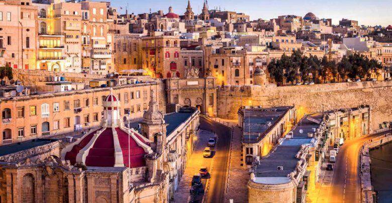 اين تقع جزيرة مالطا بالتحديد وما هي عاصمتها Malta Island Nations Traveling By Yourself