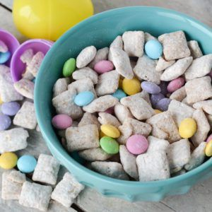 Easter Bunny Chow Recipe Puppy Chow Recipes Easter Appetizers Easter Bunny Cake