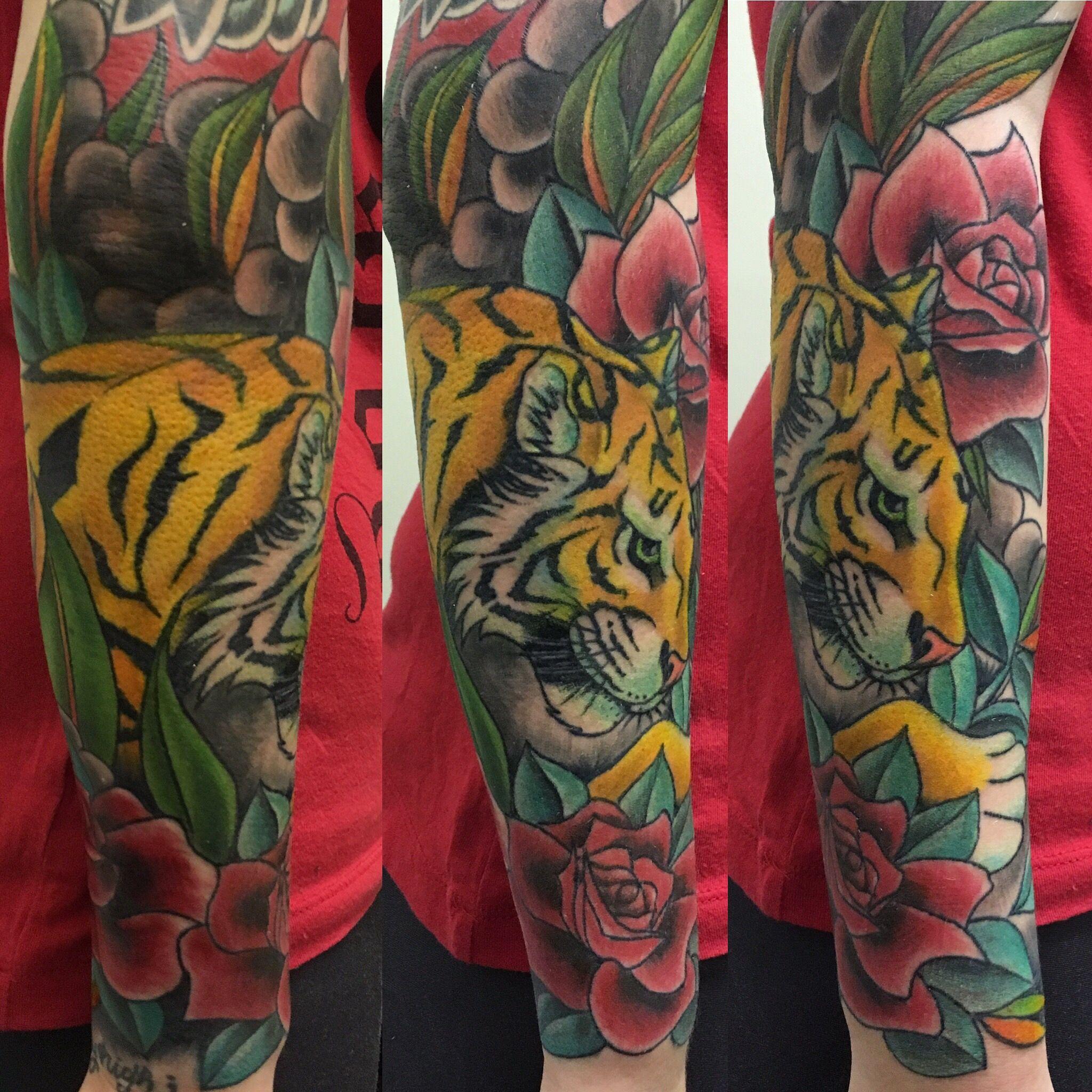 Tiger and Roses tattoo 2016 | Tatuajes | Pinterest | Tattoo