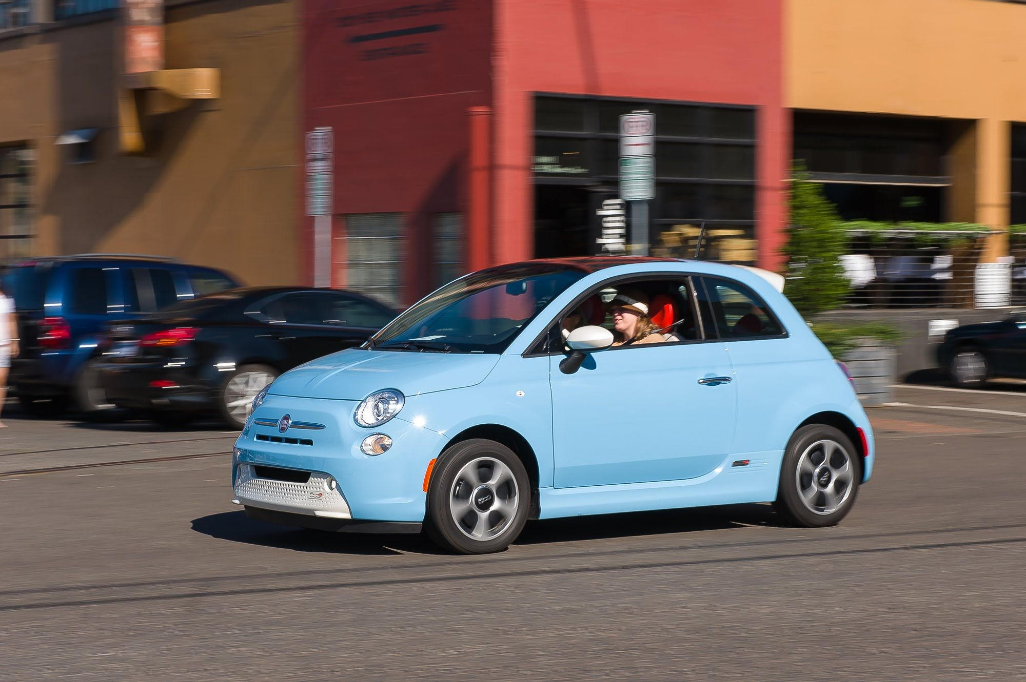 How Does The Fiat 500e Stack Up Against Soul Ev Leaf I