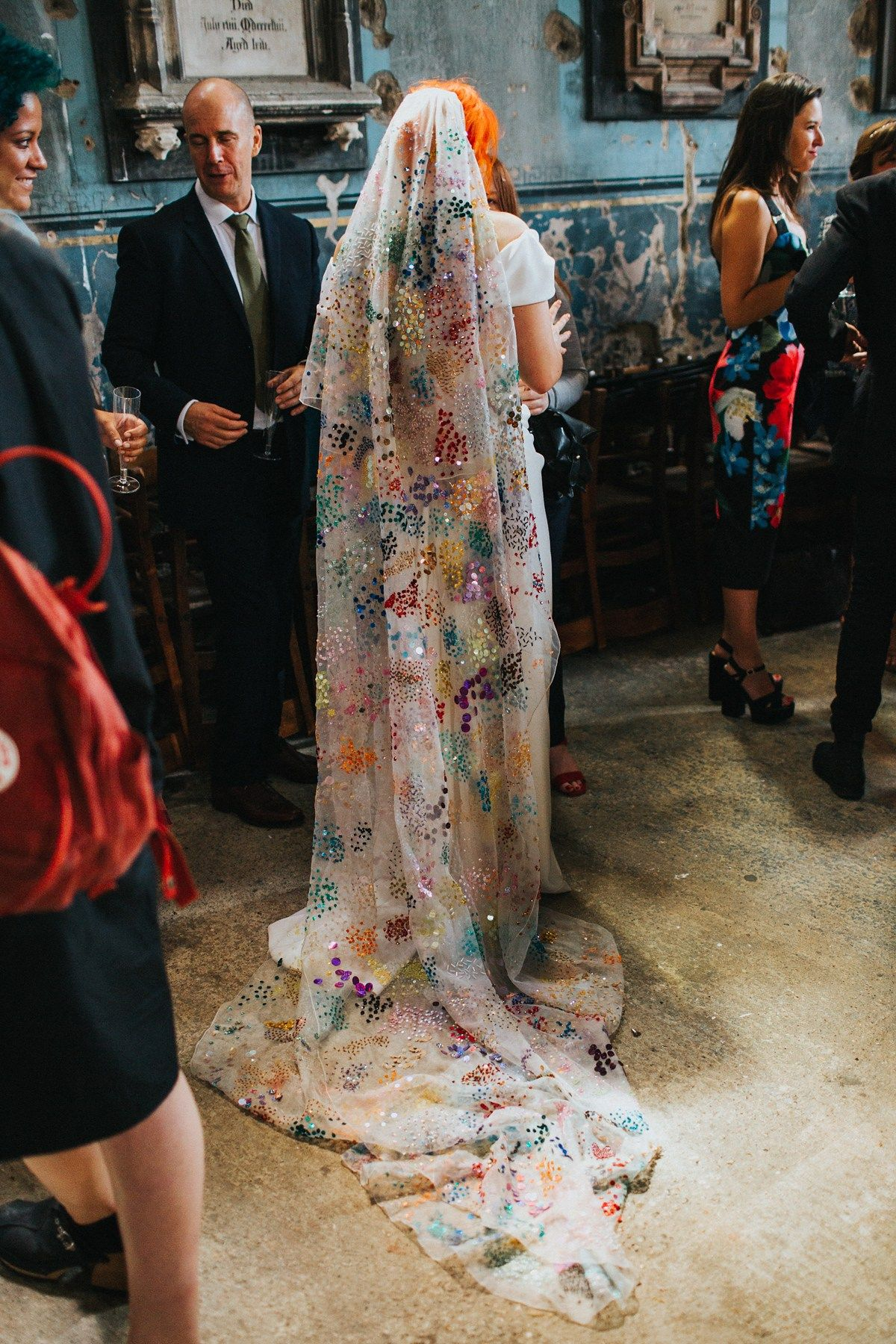 2019 year look- Veiled US designer dreams of alternative fashion