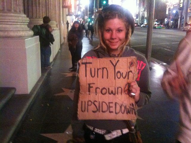 Look At This Homeless Girl S Sign And Try Not To Smile Try Not To Smile Girl Sign All Smiles
