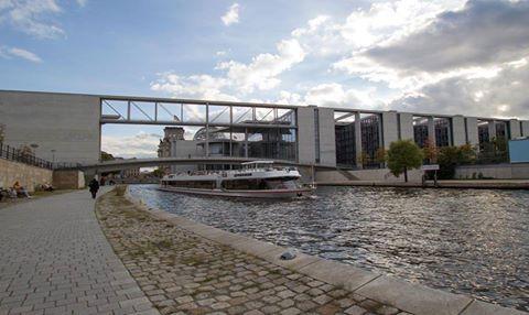 Urbane Spreetour durch Berlins Mitte.  Reederei Bruno Winklers Foto. ©april agentur GbR