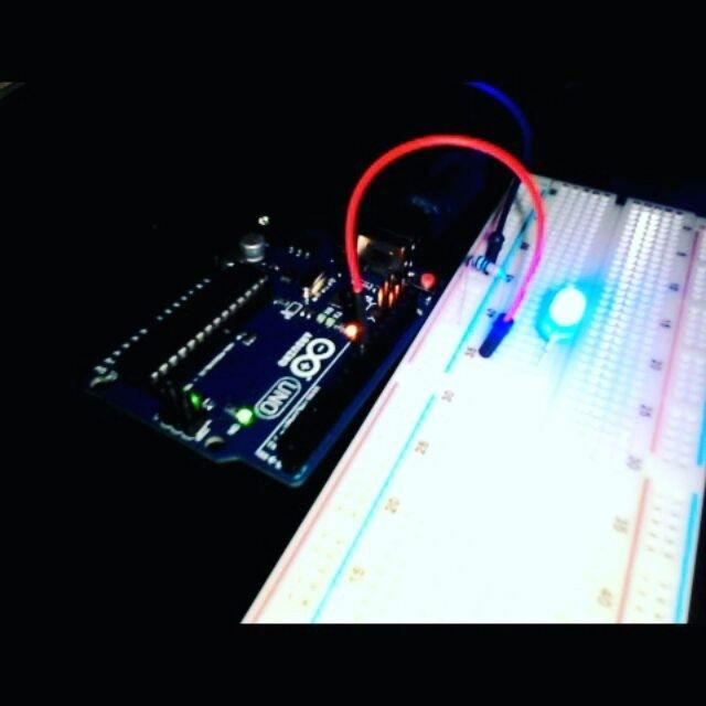 Project (1/14) Blinking LED  #arduino #arduinoday #arduinouno #arduinoorg #electronic #robotics by daffakurnia11