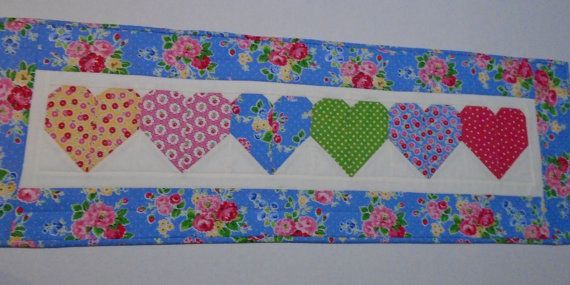 Valentine Quilted Table Runner, Floral Hearts Quilted Table Runner, Quilted  Table Topper, Cottage Shabby Chic Table Quilt, Valentine Runner