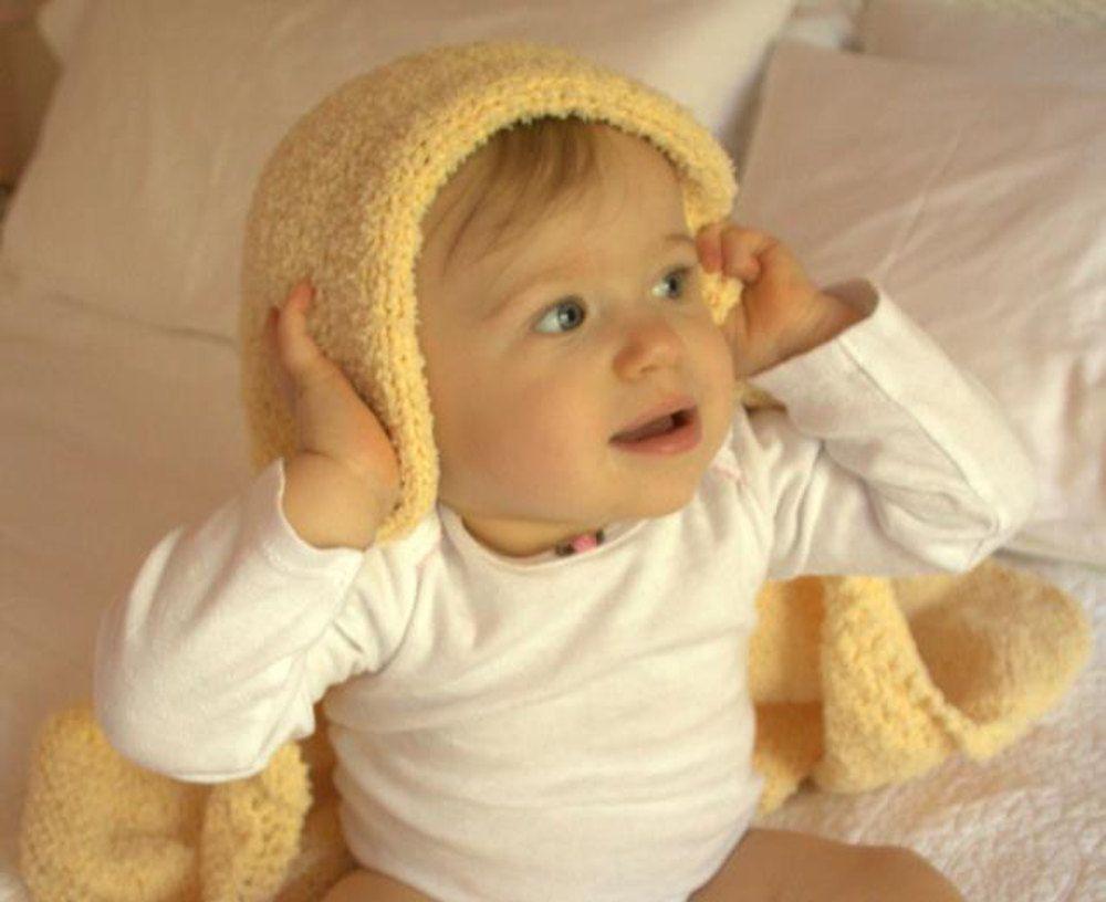 Lamb Ears Hooded Baby Blanket In Plymouth Yarn Daisy