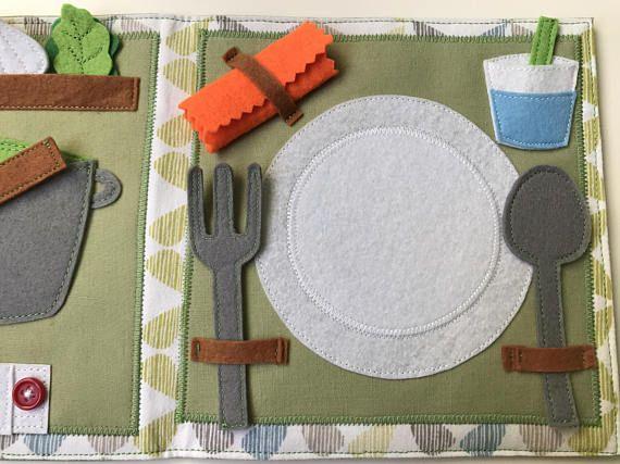 HANDGEFERTIGTE Mini ruhiges Buch, Buch beschäftigt, Aktivität Buch, weiches Buch für Kinder vor allem für Kinder im Alter von 3-5. In diesem ruhigen Buch können Kinder leicht lernen, wie wir das Gemüse aus dem Garten in der Tabelle umsetzen können. Es ist ideal für Vegetarier oder