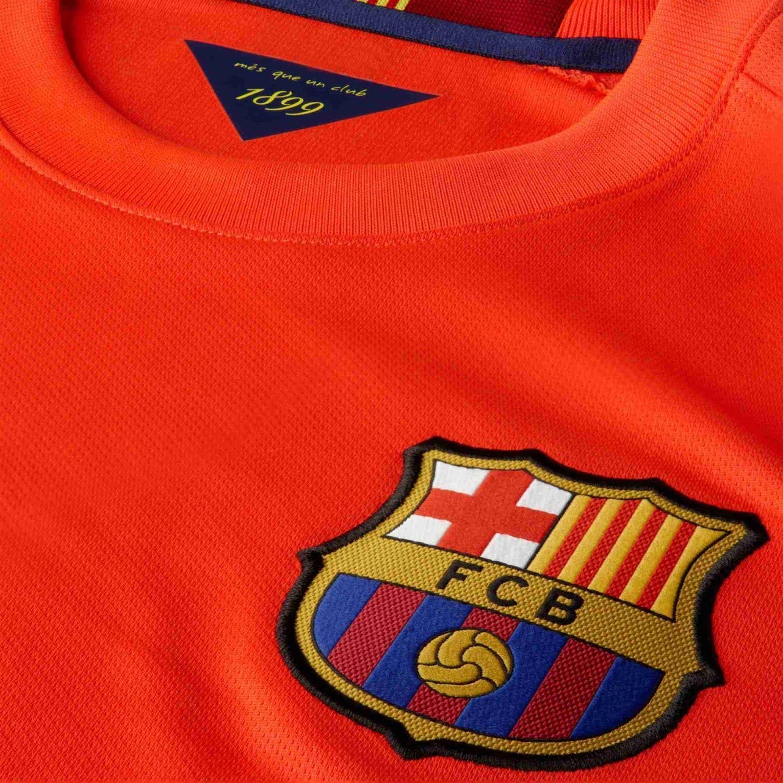 NIKE CARLES PUYOL FC BARCELONA AWAY JERSEY 2014 15 TEAM LOYALTY. TOTAL  COMFORT. 98eef7ec1