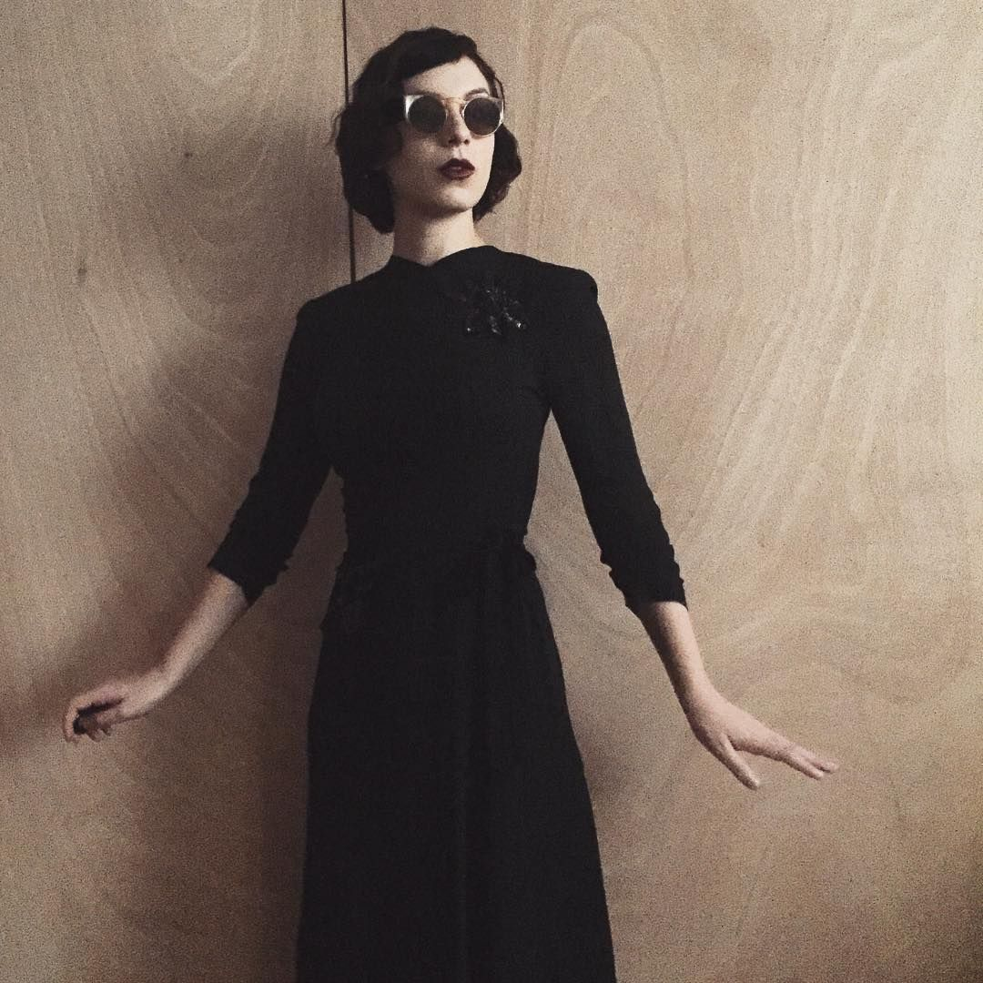 A terribly modern women in vintage Collaboration: bisforbrittanyblog@gmail.com