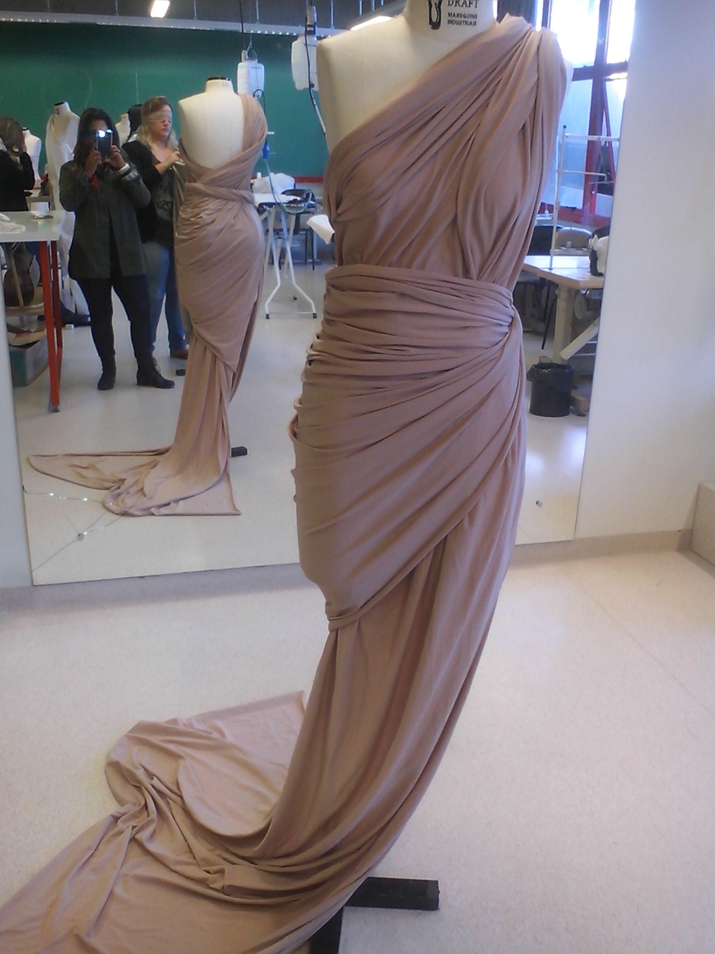 Vestido em seda nude,  moulage sereia, by Magna Jardim