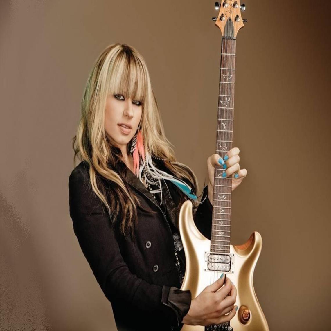 female guitarist 2 by Binkeygooner on DeviantArt