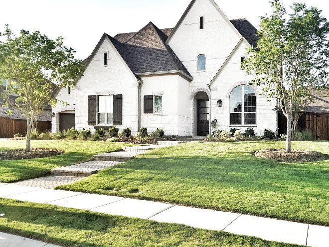 Beautiful Homes Of Instagram White Brick Houses House Exterior Stucco Homes