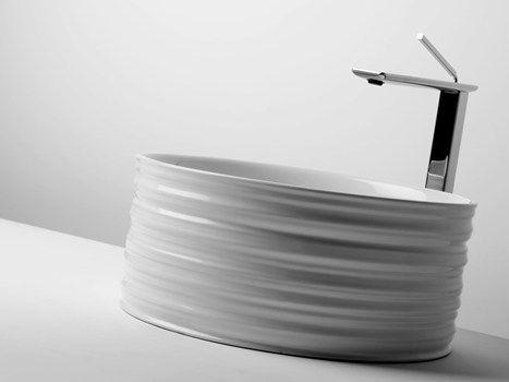 Trace: forme scultoree levigate dal tempo