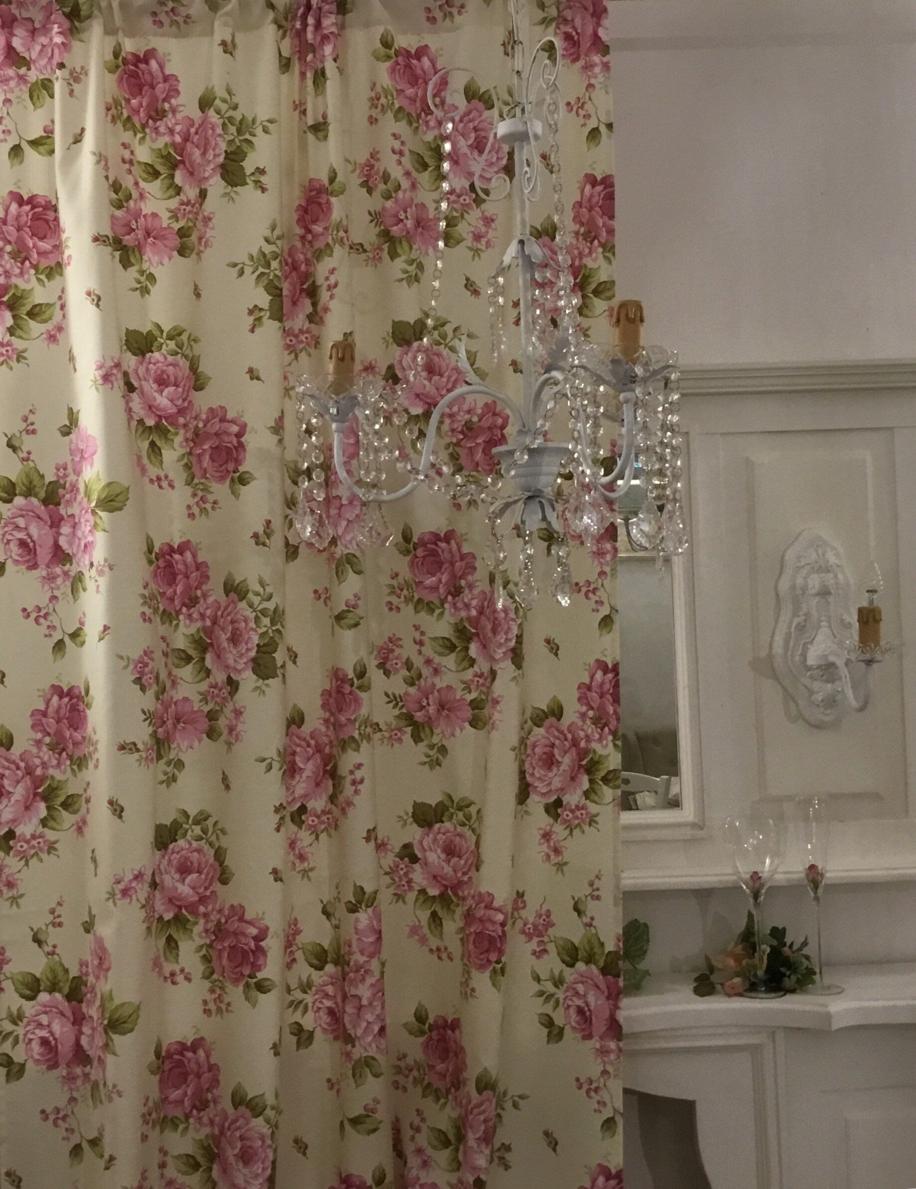 Pink Flower Curtains Shabbychic nel 2020   Tende a fiori ...