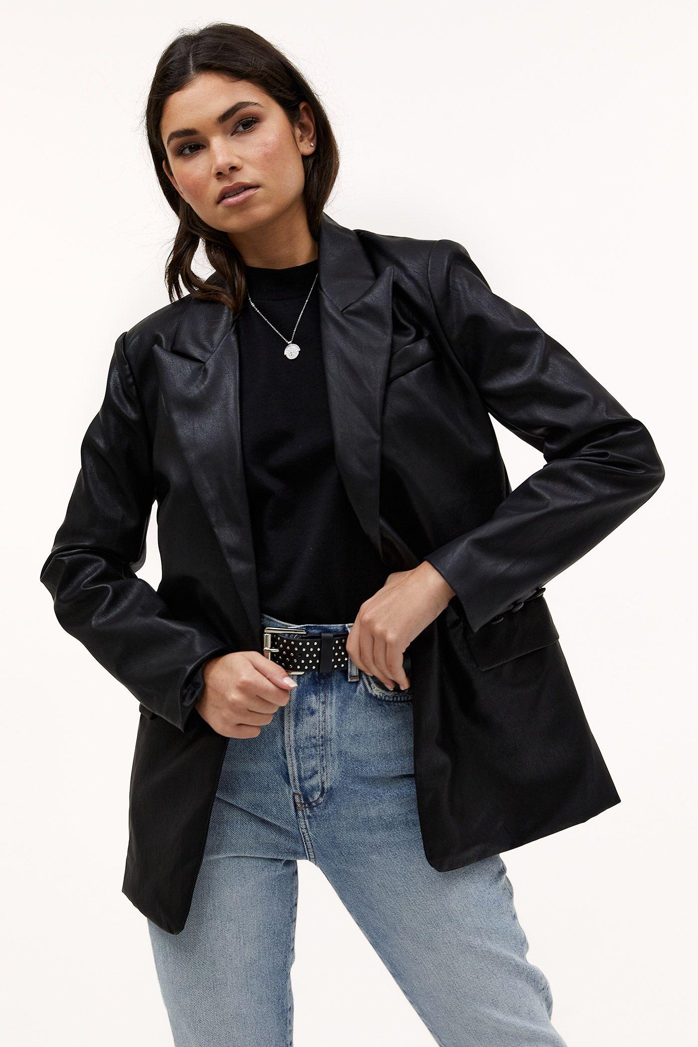 COULD IT BE ME in 2020 | Blazer, Blazer outfit, Lange mouwen