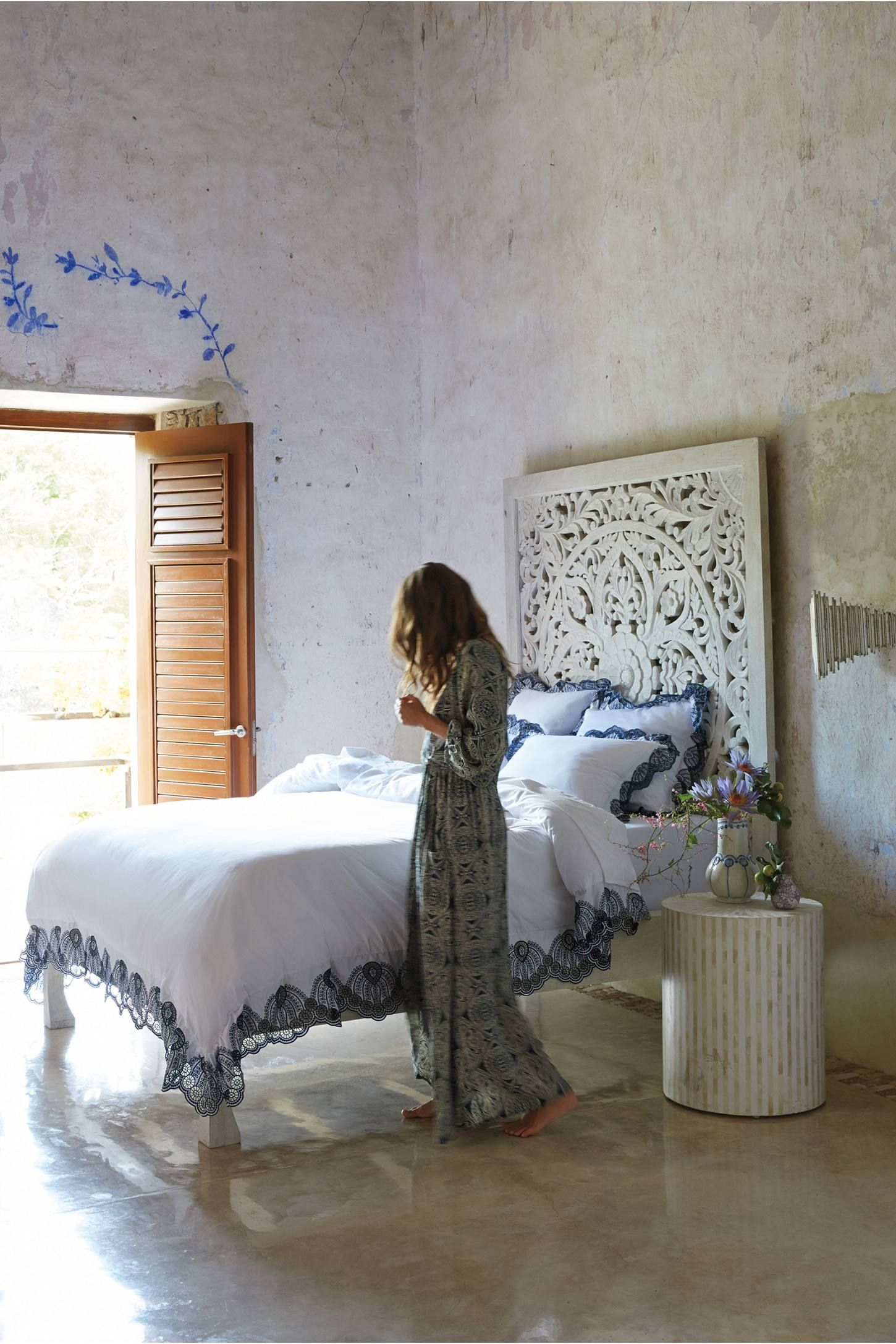 Best Lombok Bed By Anthropologie In White Size Kg Top Bed 400 x 300