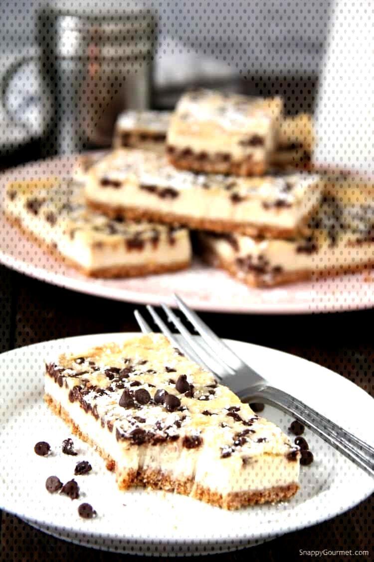 Cannoli Cheesecake Bars, easy Italian cheesecake recipe with mascarpone, ricotta, orange, and choco