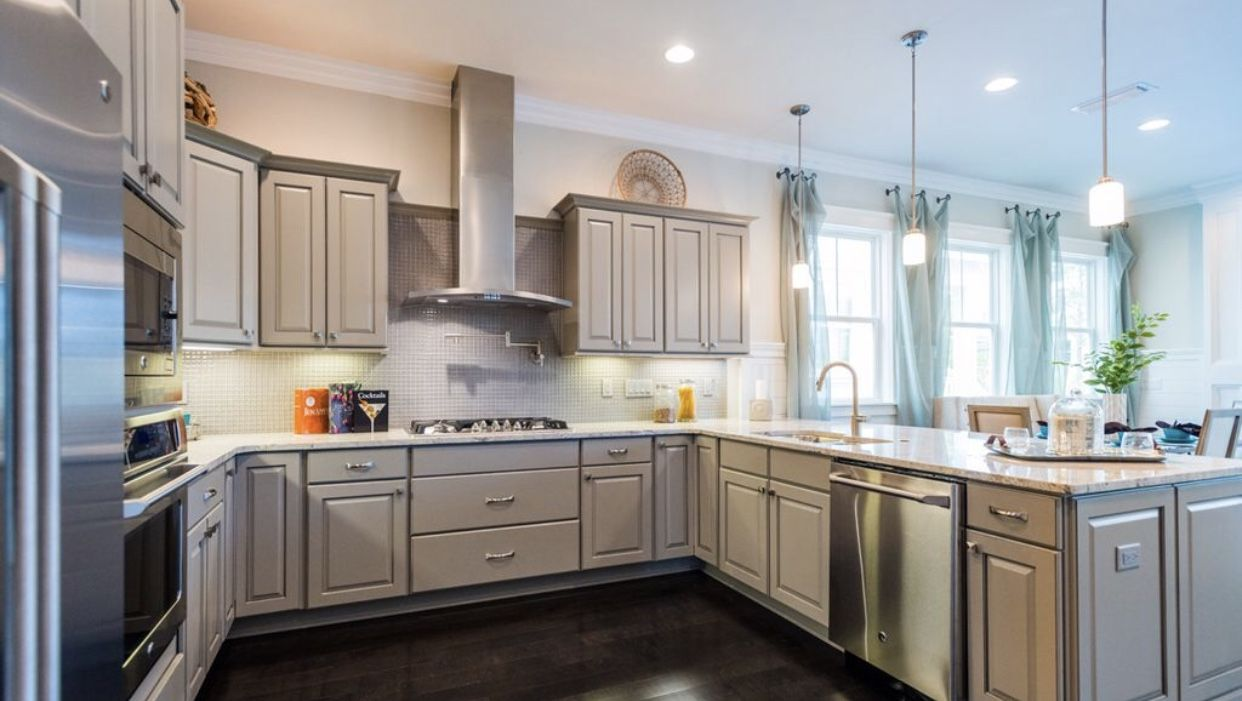 Pin By Rachelle Unger On Home Kitchen Kitchen Cabinets Home