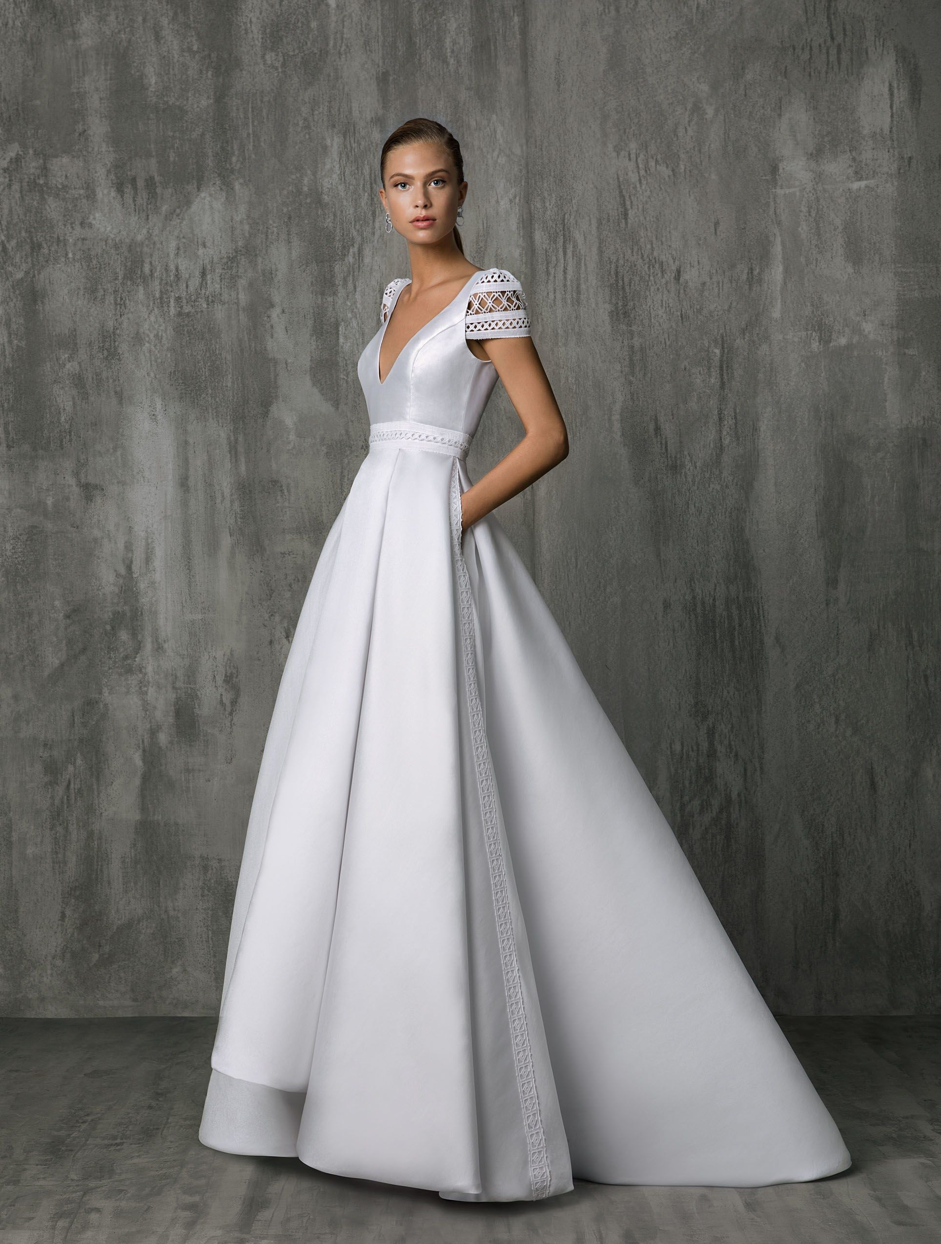 01062898d96 Victoria Kyriakides Bridal   Wedding Dress Collection Fall 2018 ...