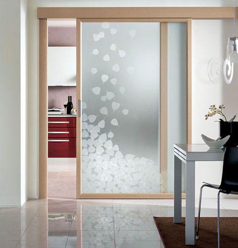 Puerta corredera vidriada con marco de madera EVOLUZIONE CRISTAL ...
