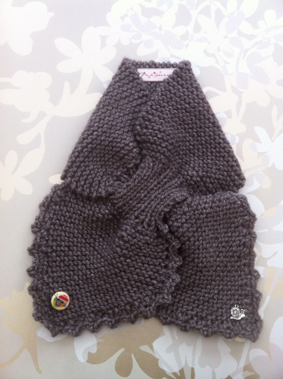 tour de cou couleur taupe   Mode filles par aiguilletine-et-crochetine 0de9dbd2484