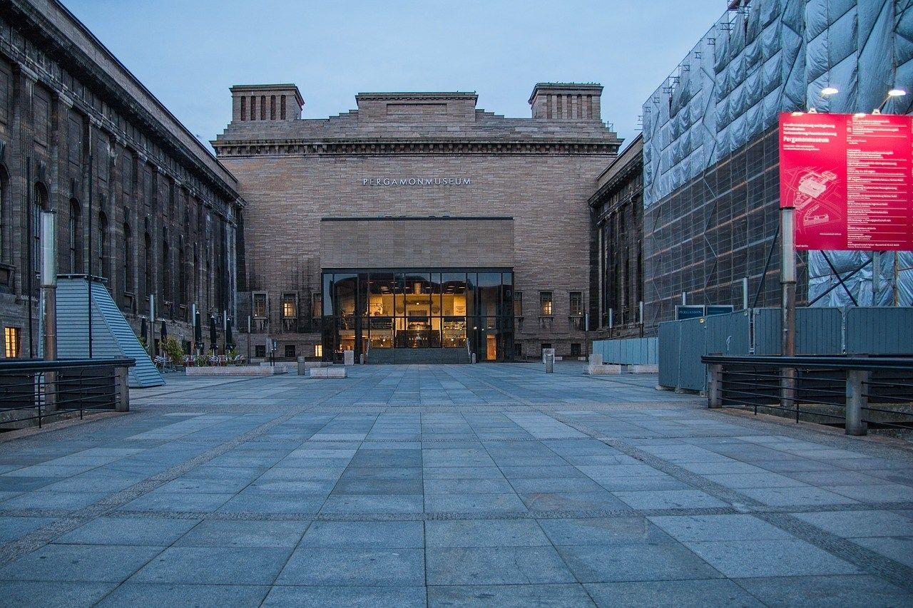 Bergama Muzesi Pergamon Museum Pergamonmuseum Berlin Ozhan Ozturk Makaleleri Mimari Avrupa Almanya