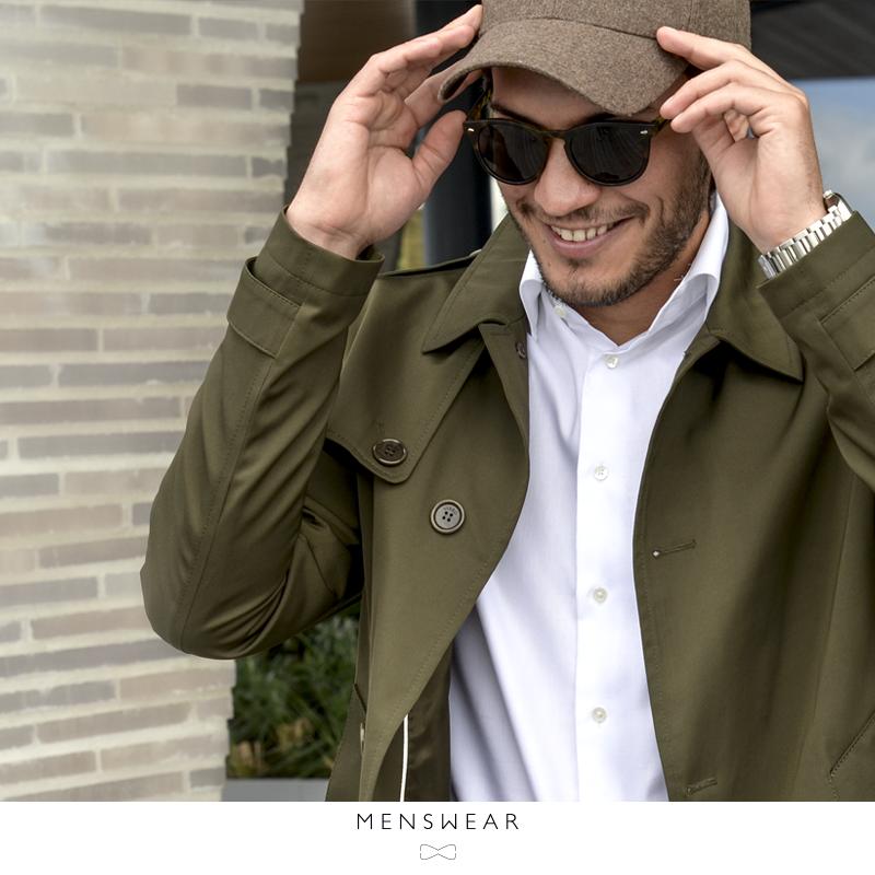 Har du sett vår nye trenchcoat som er vanntett, puster og passer utmerket over dressen eller genseren. Du får den i fargene navy og oliven. Kr.  3.295,-  www.menswear.no  #menswear_no #menswear #mensfashion #viero #trenchcoat #oslo #tjuvholmen #bogstadveien #hegdehaugsveien #lysaker #reign