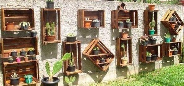 Coole Gartendeko Selber Machen Als Dekoration Für Den Gartenzaun Mit  Holzsteigen
