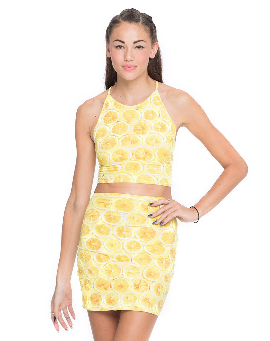 This lemon top is one of my favourite Motel pieces to wear under my dungarees, I'm hoping to get the skirt to complete the cute two piece :)