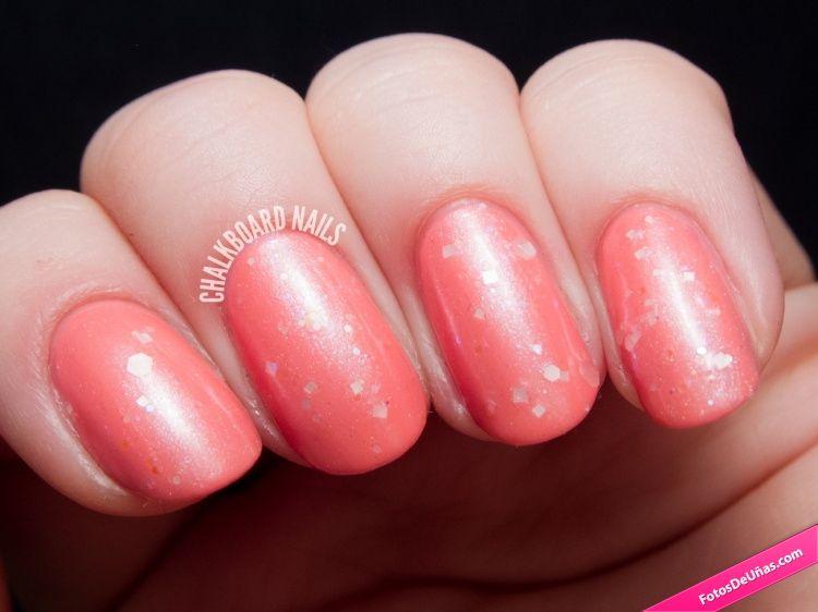 Esmalte de uñas color coral con detalles geométricos. #Manicura ...