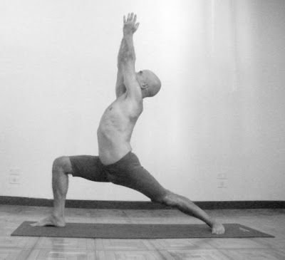 virabhadrasana  postura y efectos  posturas