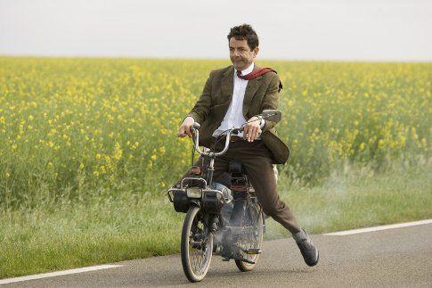 """Mr. Bean's Holiday - Meinaako joku aikuinen ottaa vähän rennommin ja saada lempinimen """"sudarihuivi""""?"""
