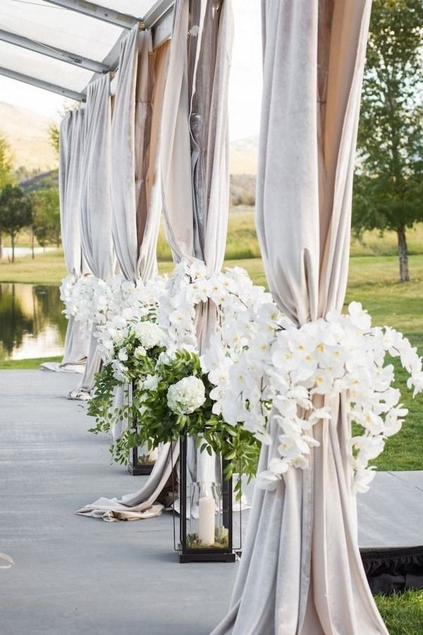 Top 20 Wedding Entrance Decoration Ideas for Your Reception - EmmaLovesWeddings #decorationentree
