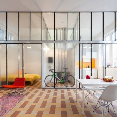 Ancienne Ecole Transformee En Habitations Par Lieven Dejaeghere Interieur Maison Logement Amenagement Maison