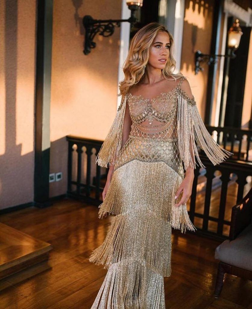 luxurious gold high fashion dress Extremely luxurious gold high fashion dress | SlaylebrityExtremely luxurious gold high fashion dress | Slaylebrity