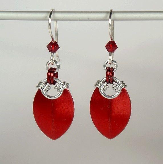 Simple scale earrings, red