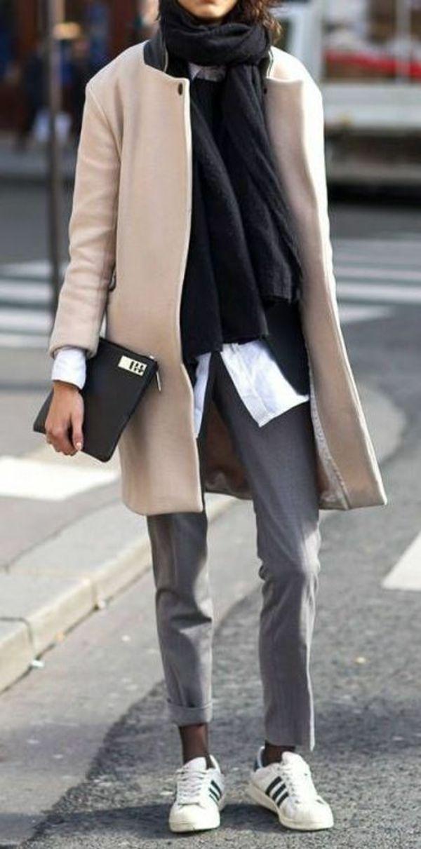 Business Outfit Frau casual sportlich