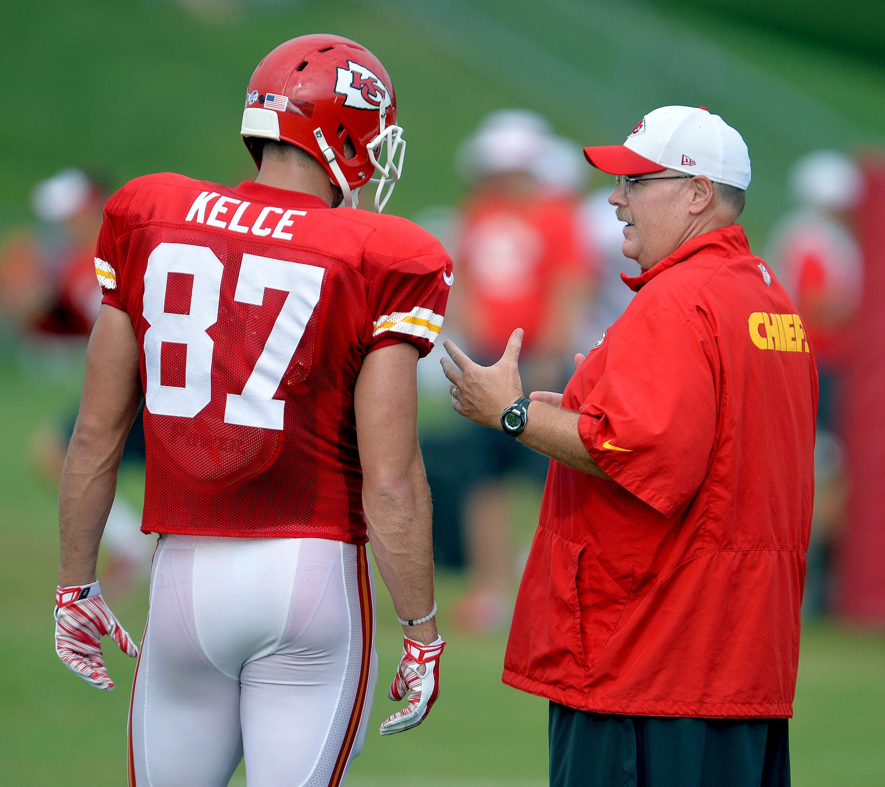Travis Kelce athletes Pinterest