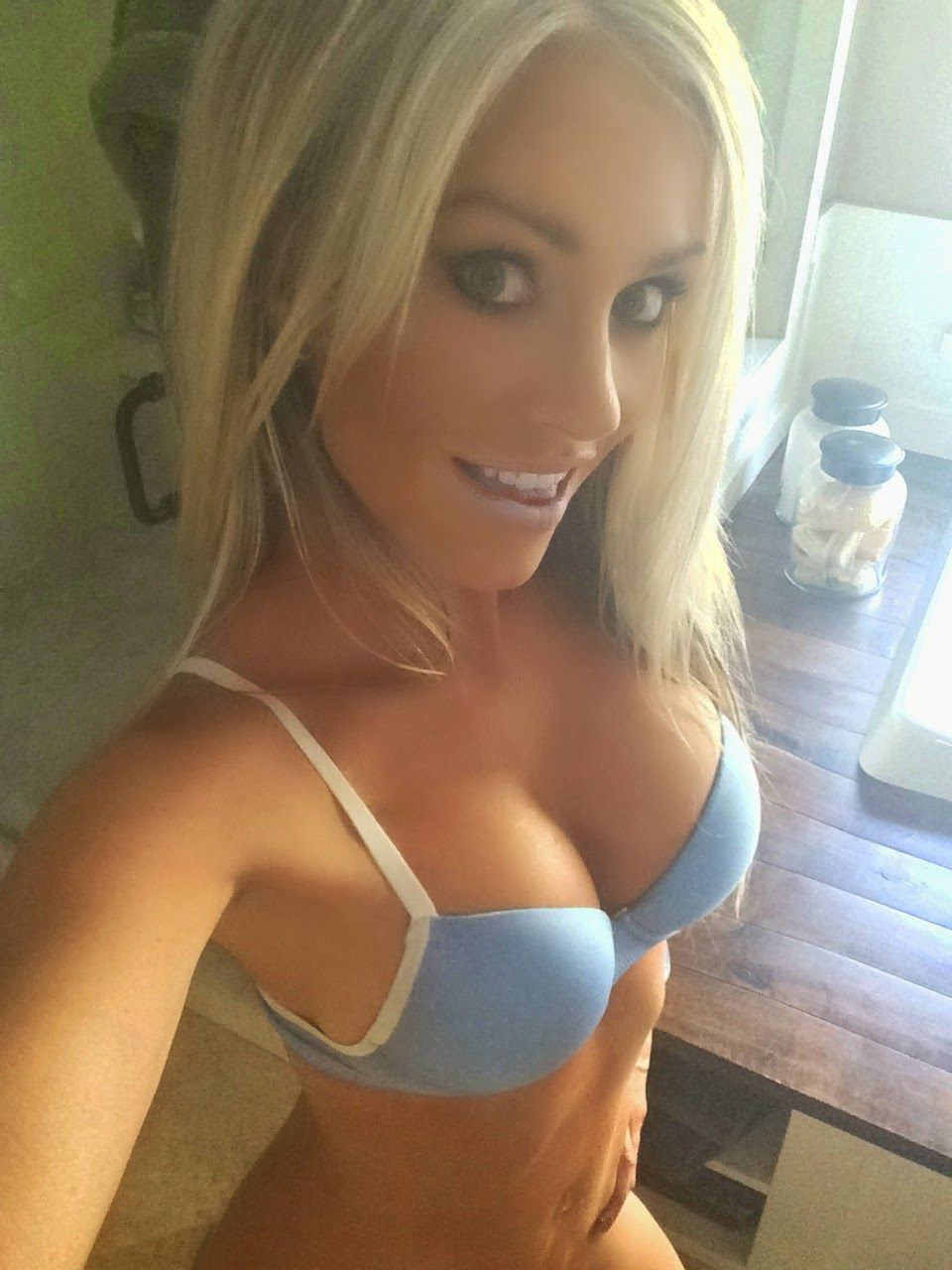 petite-blondes-with-big-tits-asian-massage-vegas-happy-ending