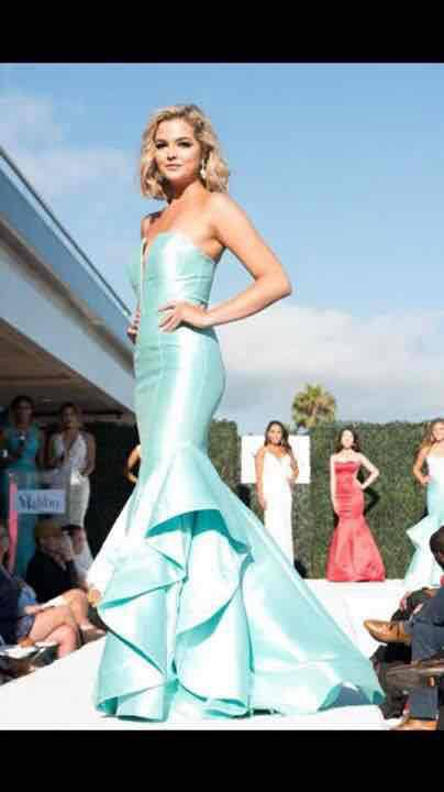 Make a #fashion statement with #Jovani #dresses & gowns at ...